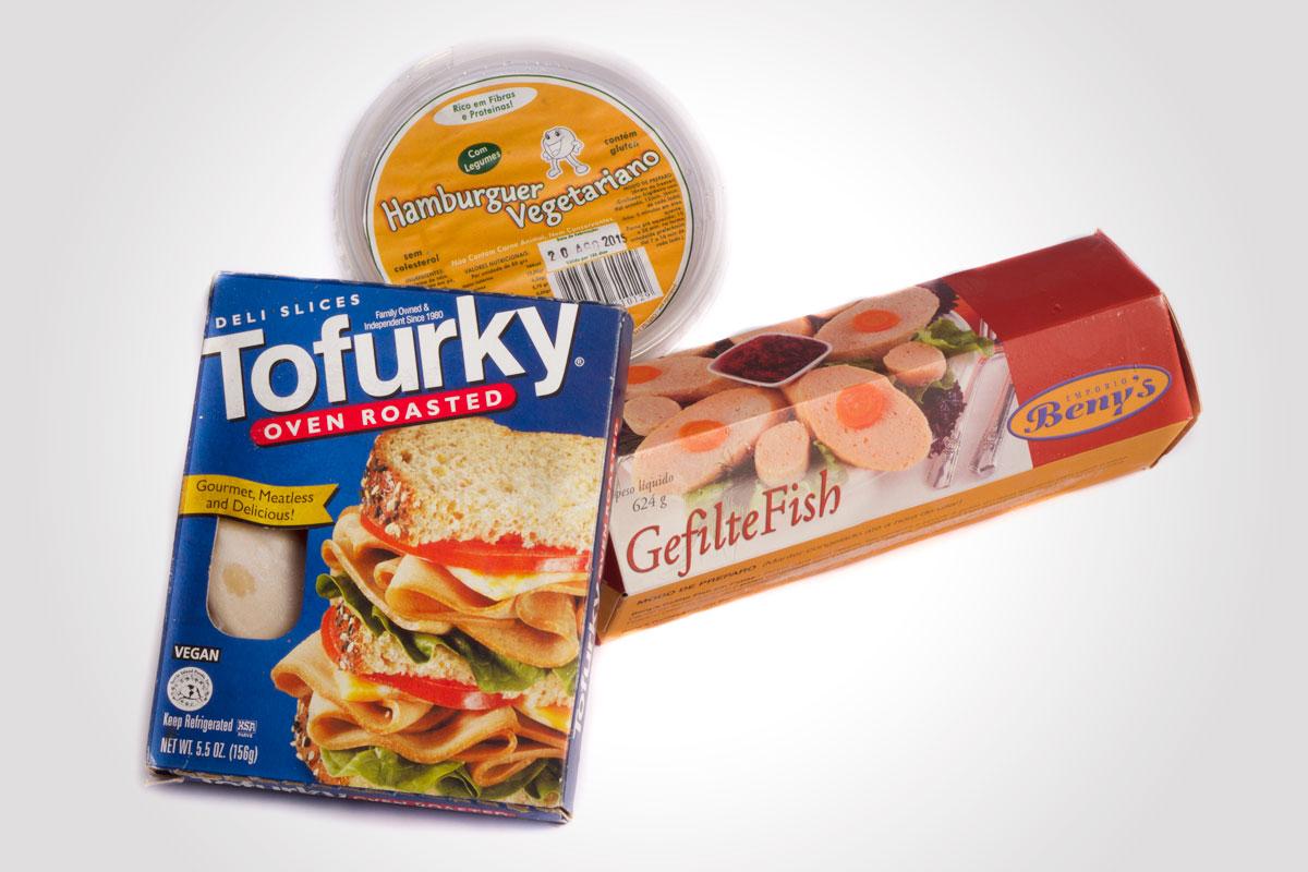 Gefilte Fish, Hamburguer e fatiados vegetarianos
